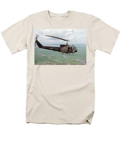 Longknife 26 Men's T-Shirt  (Regular Fit) by Steven Sparks