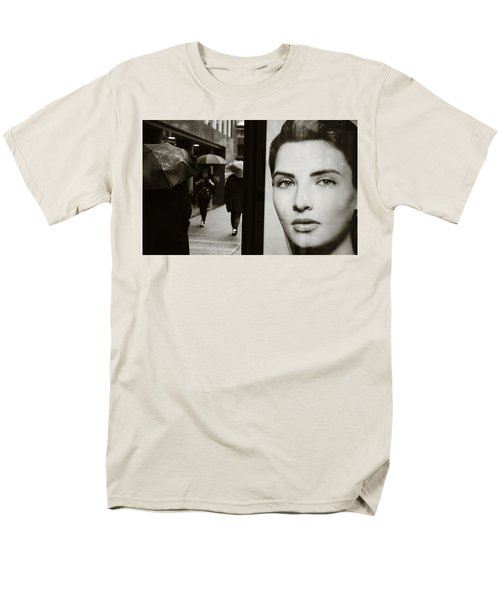 Men's T-Shirt  (Regular Fit) featuring the photograph Looking For Your Eyes by Empty Wall