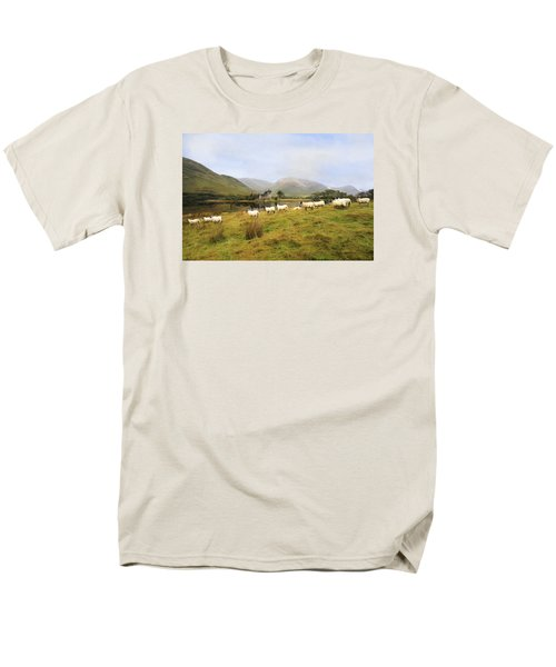 Men's T-Shirt  (Regular Fit) featuring the photograph Morning At Kilchurn by Roy  McPeak