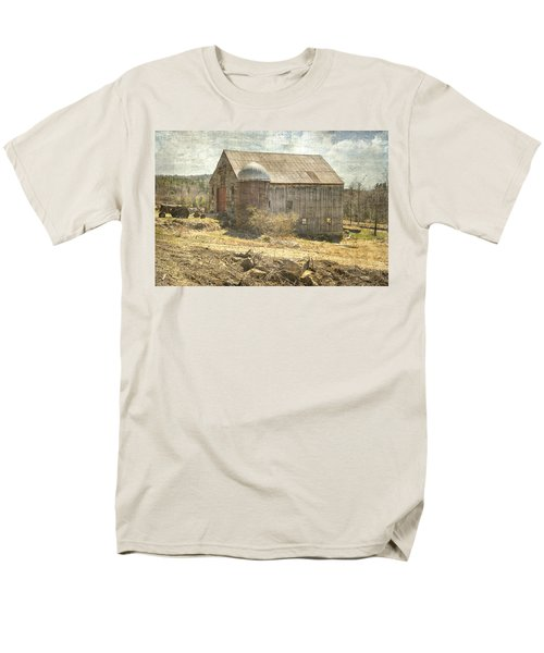 Old Barn Still Standing  Men's T-Shirt  (Regular Fit) by Betty Pauwels
