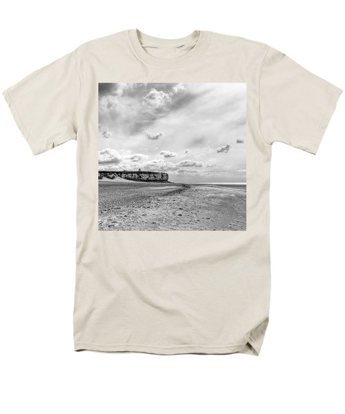 Old Hunstanton Beach, Norfolk Men's T-Shirt  (Regular Fit) by John Edwards