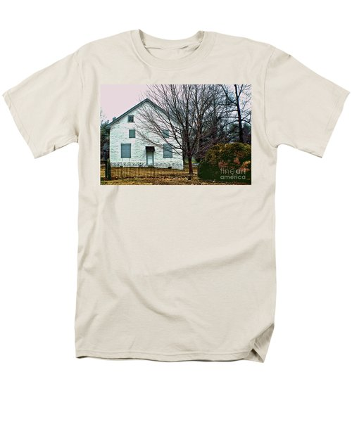 Men's T-Shirt  (Regular Fit) featuring the photograph Old Kennett Mettinghouse by Sandy Moulder