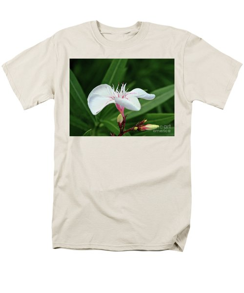Oleander Harriet Newding  1 Men's T-Shirt  (Regular Fit) by Wilhelm Hufnagl