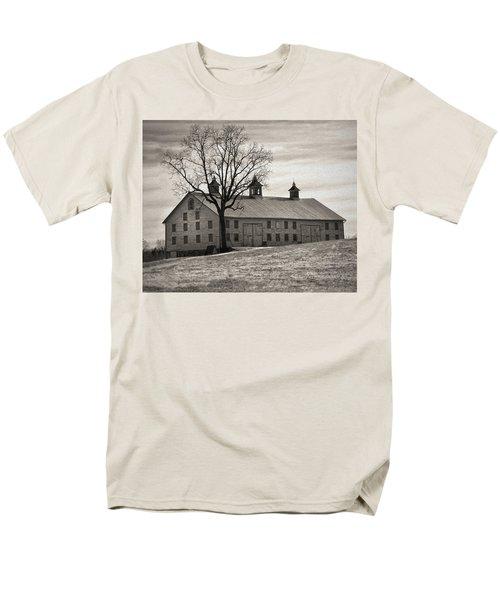 Men's T-Shirt  (Regular Fit) featuring the digital art Pennsylvania Barn by Robert Geary