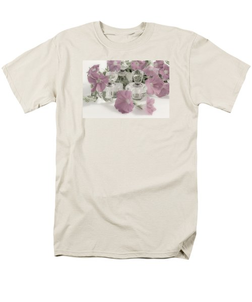 Petunias And Perfume - Soft Men's T-Shirt  (Regular Fit) by Sandra Foster