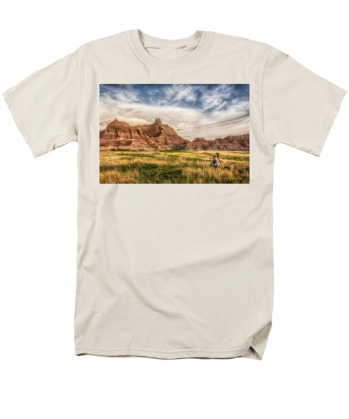 Photographer Waiting For The Badlands Light Men's T-Shirt  (Regular Fit)