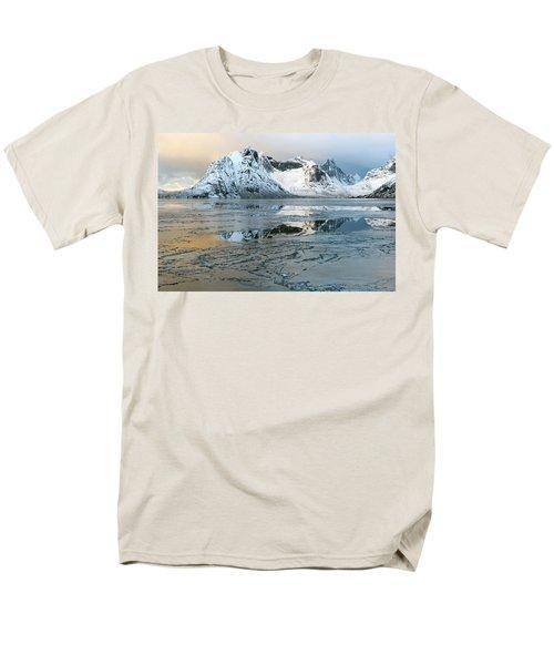 Reine, Lofoten 5 Men's T-Shirt  (Regular Fit) by Dubi Roman