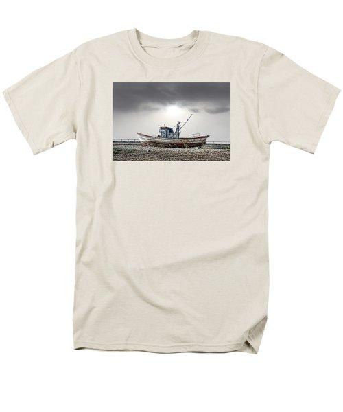 The Boat Men's T-Shirt  (Regular Fit) by Angel Jesus De la Fuente