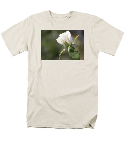 Men's T-Shirt  (Regular Fit) featuring the photograph The Understudy by Cathy Donohoue