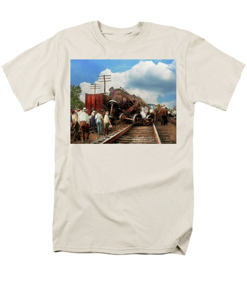 Men's T-Shirt  (Regular Fit) featuring the photograph Train - Accident - Butting Heads 1922 by Mike Savad