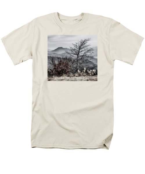 Men's T-Shirt  (Regular Fit) featuring the photograph Two by Hayato Matsumoto
