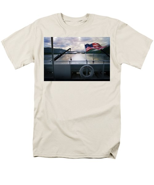 Men's T-Shirt  (Regular Fit) featuring the photograph Yukon Queen by Ann Lauwers