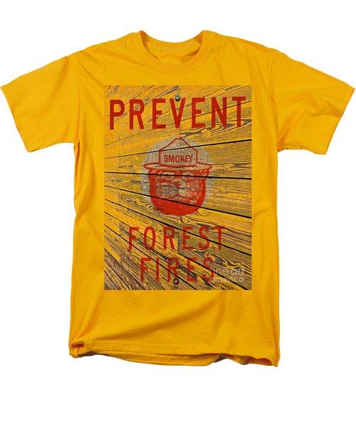 Smokey Men's T-Shirt  (Regular Fit) by David Lawson