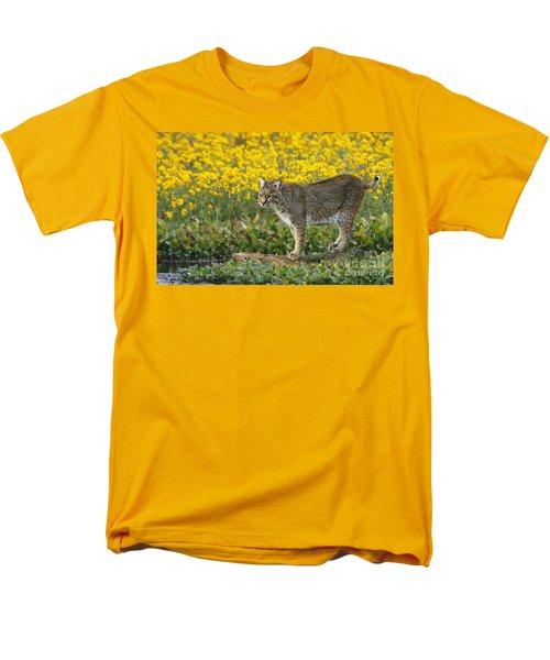 Bobcat In The Swamp Men's T-Shirt  (Regular Fit) by Myrna Bradshaw