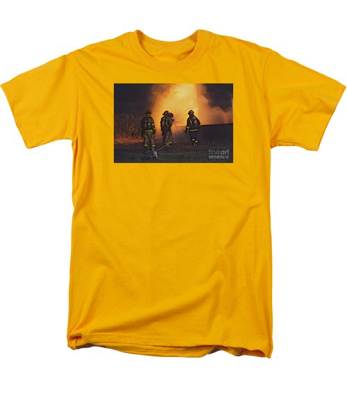 Men's T-Shirt  (Regular Fit) featuring the photograph The Attack by Jim Lepard