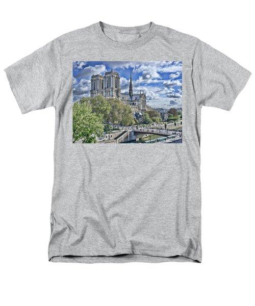 Notre Dame Men's T-Shirt  (Regular Fit) by Hugh Smith