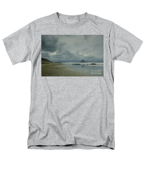 Approaching Storm - Morro Rock Men's T-Shirt  (Regular Fit) by Terry Garvin
