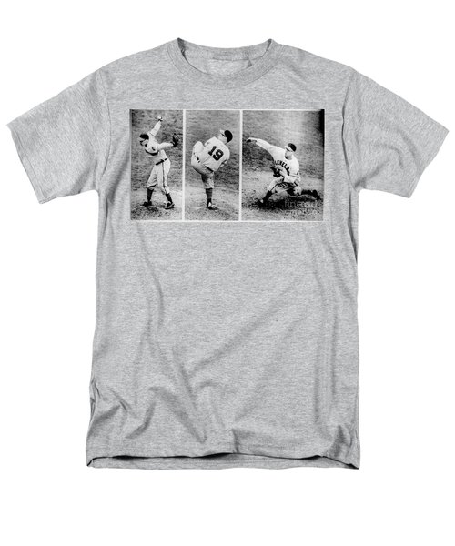 Bob Feller Pitching Men's T-Shirt  (Regular Fit)