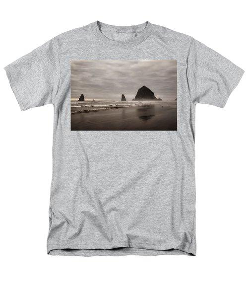 Cannon Beach Needles Men's T-Shirt  (Regular Fit)