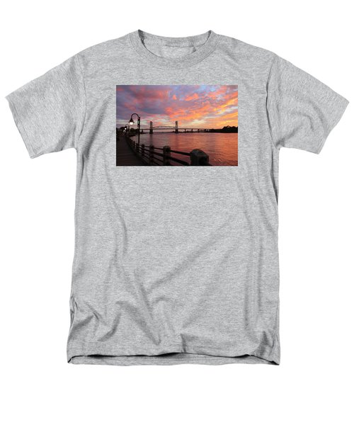 Cape Fear Bridge Men's T-Shirt  (Regular Fit)