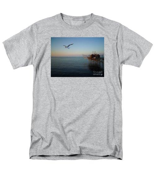 Il Trabucco - The Trebuchet Fishing Men's T-Shirt  (Regular Fit) by Zedi