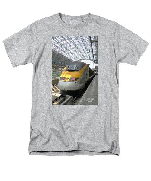 London Arrival Men's T-Shirt  (Regular Fit)