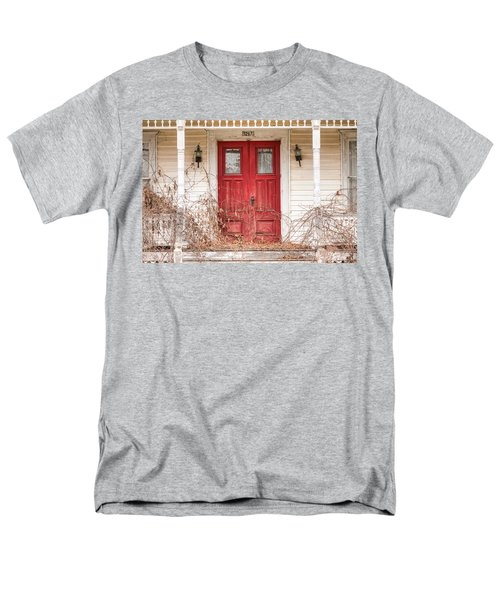 Red Doors - Charming Old Doors On The Abandoned House Men's T-Shirt  (Regular Fit)