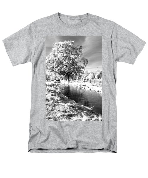 Single Tree Aginst The Sun Men's T-Shirt  (Regular Fit) by Maj Seda