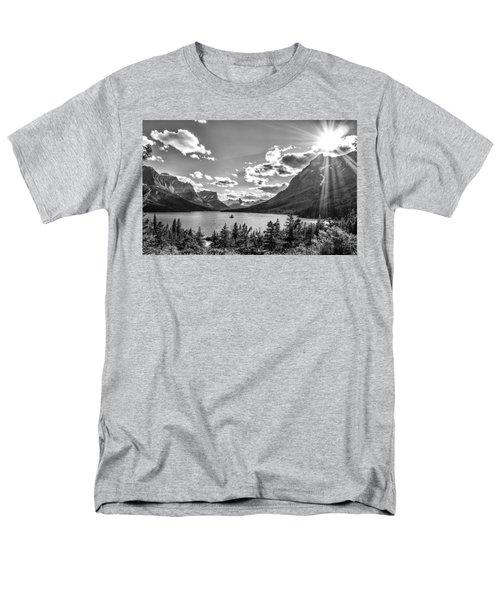 St. Mary Lake Bw Men's T-Shirt  (Regular Fit)