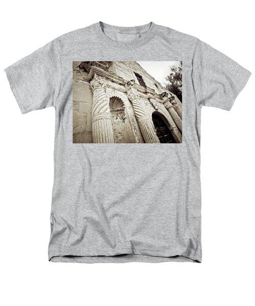 The Alamo Men's T-Shirt  (Regular Fit) by Linda Unger