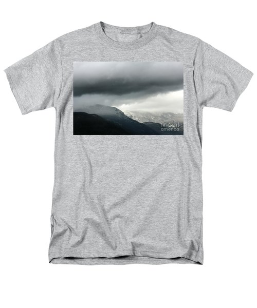 Men's T-Shirt  (Regular Fit) featuring the photograph The Valley by Dana DiPasquale