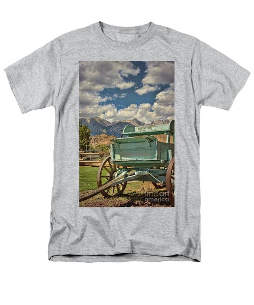 Men's T-Shirt  (Regular Fit) featuring the photograph The Wagon by Peggy Hughes