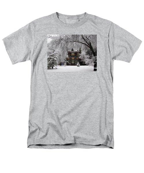 Winter At The Ahwahnee In Yosemite Men's T-Shirt  (Regular Fit) by Carla Parris