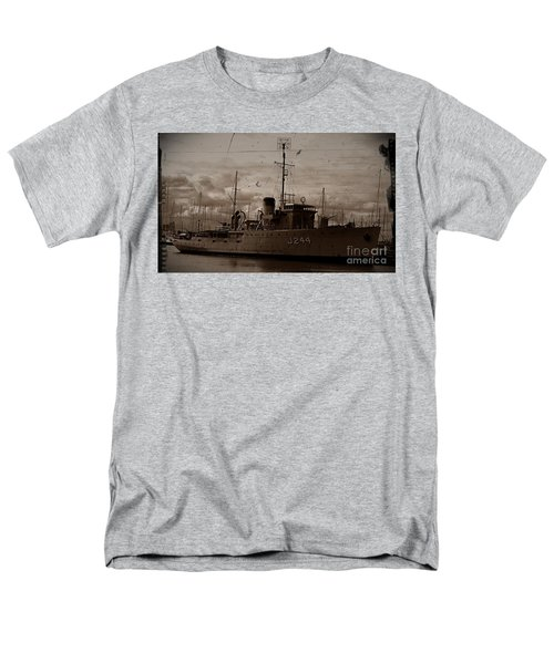 Men's T-Shirt  (Regular Fit) featuring the photograph Hmas Castlemaine 2 by Blair Stuart