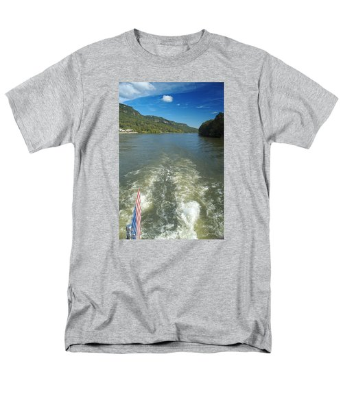 A Wake, River And Sky Col Men's T-Shirt  (Regular Fit)