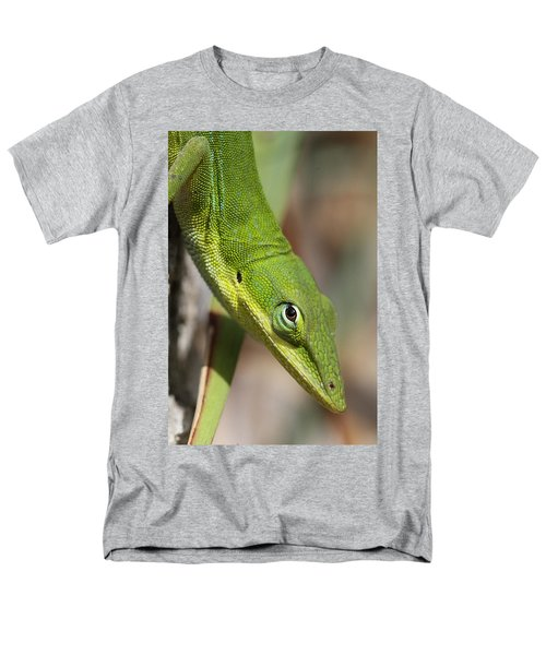 Men's T-Shirt  (Regular Fit) featuring the photograph A Watchful Eye by Doris Potter