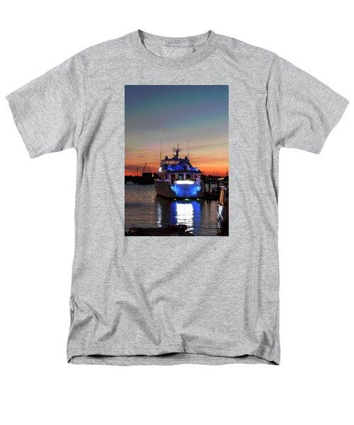 Men's T-Shirt  (Regular Fit) featuring the photograph An Evening In Newport Rhode Island IIi by Suzanne Gaff
