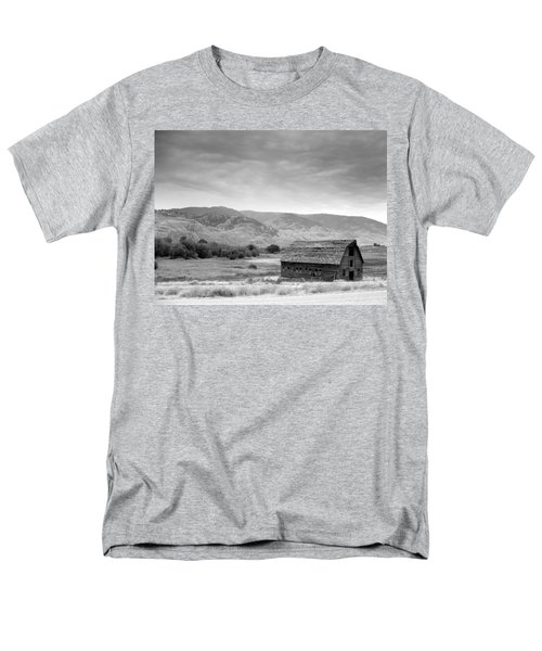 Men's T-Shirt  (Regular Fit) featuring the photograph An Old Barn by Mark Alan Perry