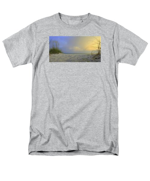 Betwen The Grass Men's T-Shirt  (Regular Fit)