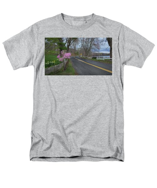 Men's T-Shirt  (Regular Fit) featuring the photograph Connecticut Country Road by Bill Wakeley