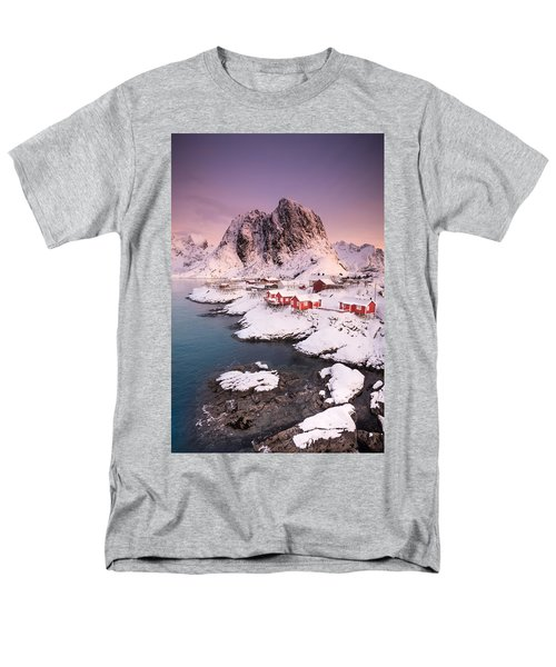 Hamnoy Men's T-Shirt  (Regular Fit)