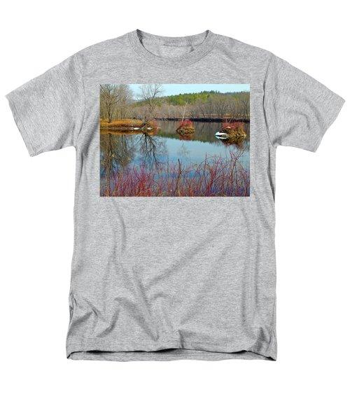 Housesitting 41 Men's T-Shirt  (Regular Fit) by George Ramos
