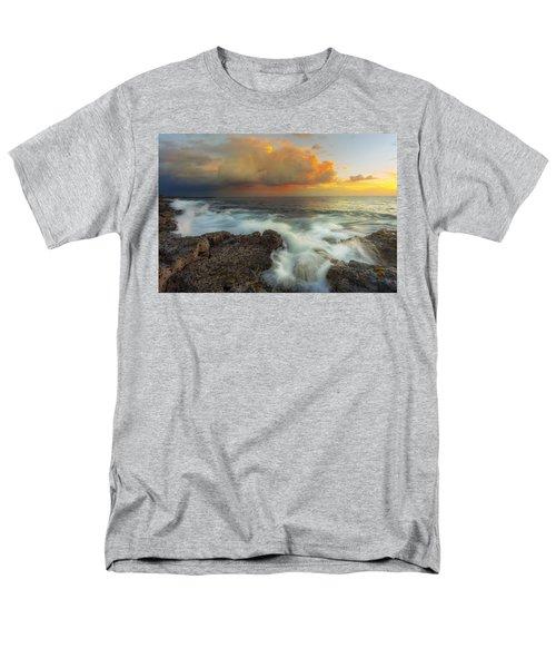 Men's T-Shirt  (Regular Fit) featuring the photograph Kona Rush Hour by Ryan Manuel