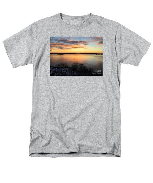 Monday, Monday Sunrise January 25, 2016 Men's T-Shirt  (Regular Fit)