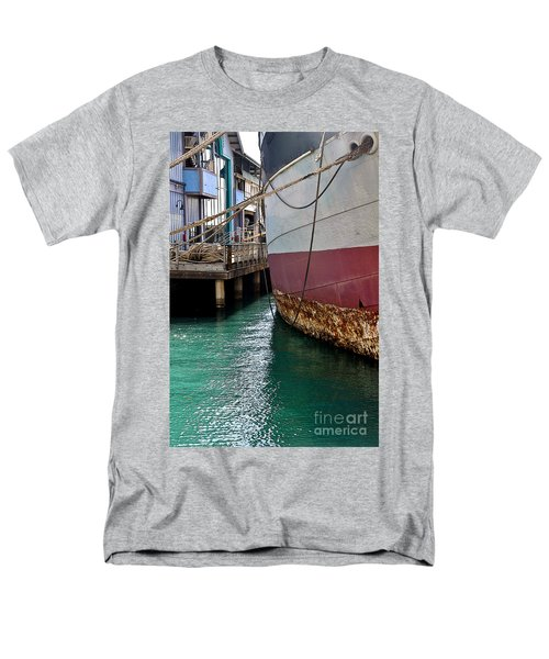 Men's T-Shirt  (Regular Fit) featuring the photograph Oahu Harbor by Gina Savage