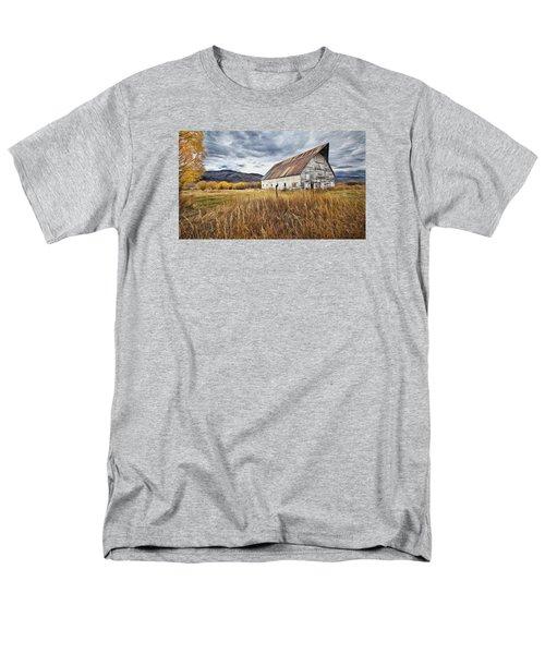 Old Barn In Steamboat,co Men's T-Shirt  (Regular Fit)