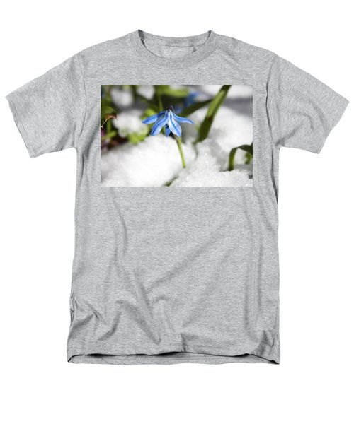 Men's T-Shirt  (Regular Fit) featuring the photograph Scilla In Snow by Jeff Severson