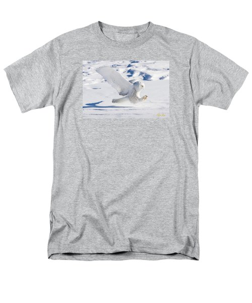 Snowy Owl Pouncing Men's T-Shirt  (Regular Fit)