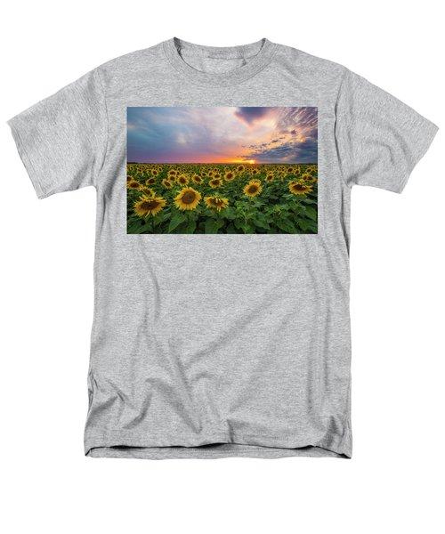 Somewhere Sunny  Men's T-Shirt  (Regular Fit)