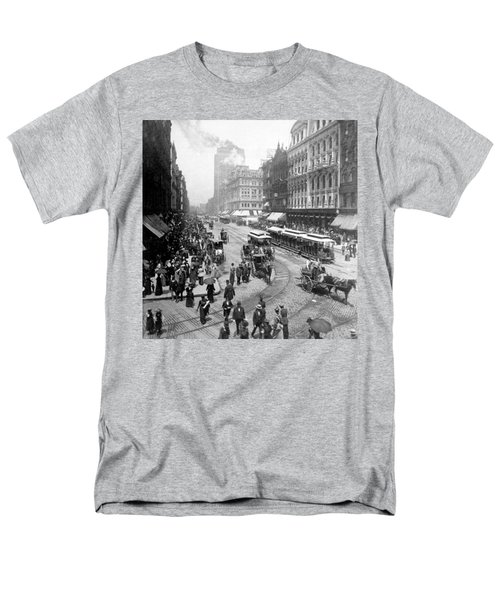 State Street - Chicago Illinois - C 1893 Men's T-Shirt  (Regular Fit) by International  Images